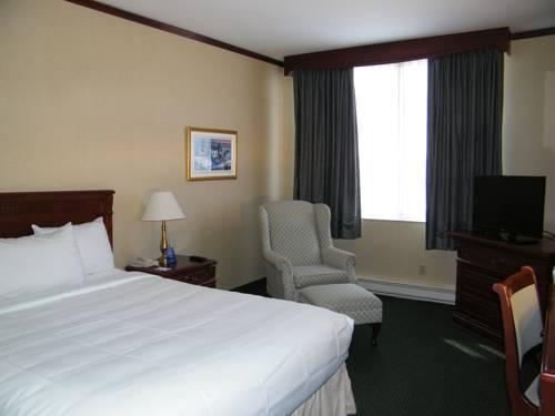 Hotels Near Pierre Elliott Trudeau Airport